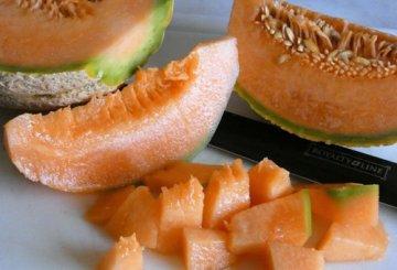 Insalata di melone cetriolo fiordilatte e speck for Cucinare cetrioli