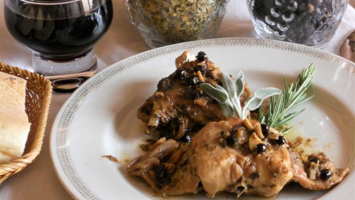 Coniglio al ginepro con erbe di provenza - Come cucinare un coniglio ...