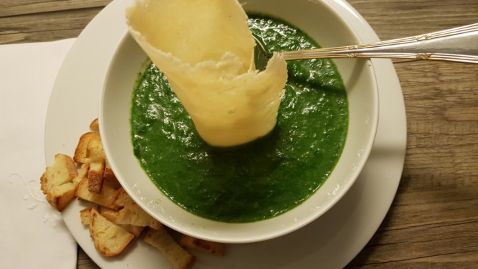 Crema di spinaci il piatto ideale per braccio di ferro for Cucinare spinaci