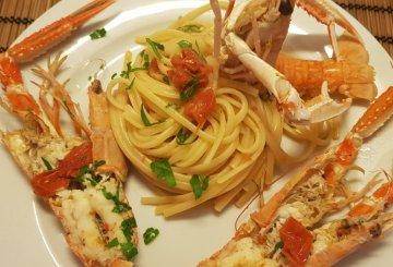Spaghetti con le cozze for Cucinare scampi