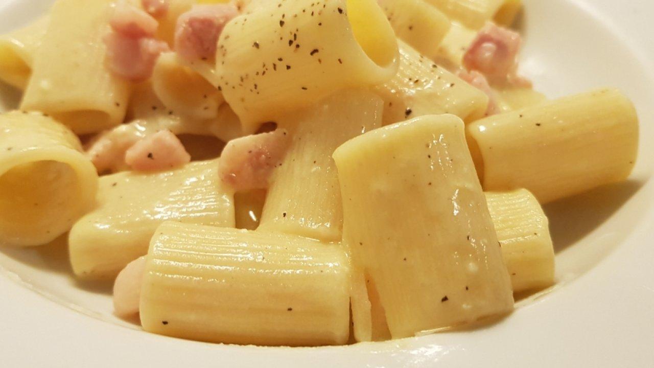 Carbonara di uova sode for Cucinare uova sode