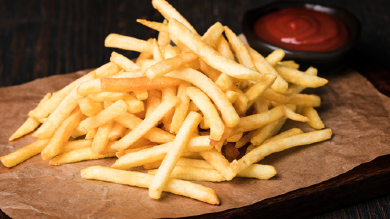 Differenza tra patatine fritte e chips