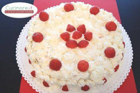 Torta Panna e Fragole, delizia low-cost | cucinare.it