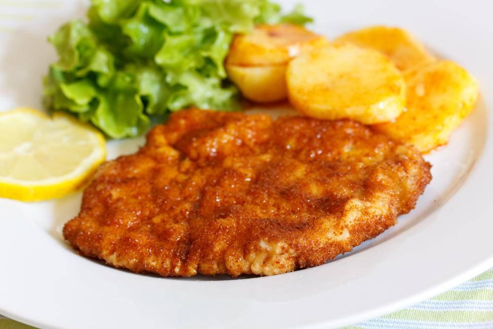 Cotoletta di pollo: ricetta al forno o in padella | Agrodolce