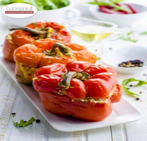 Peperoni ripieni al forno - Cucinare i peperoni ...