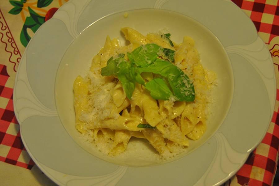 Garganelli con uova e formaggi - Cucinare le uova ...
