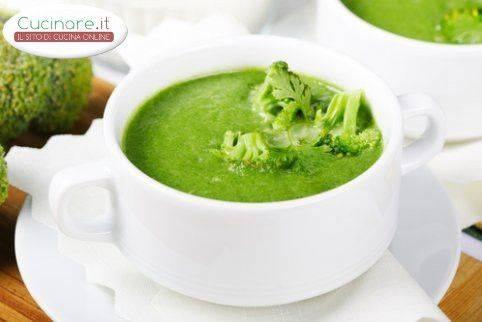 Zuppa cremosa di spinaci e broccoli for Cucinare broccoli