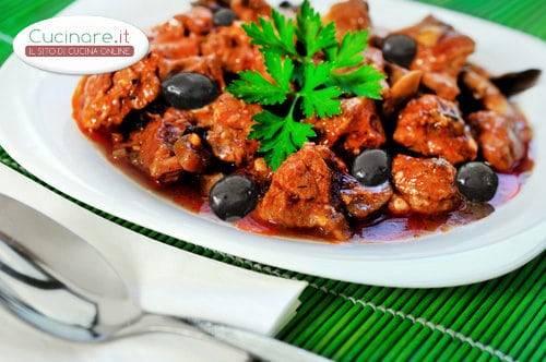 Coniglio con olive nere ed erbe - Cucinare olive appena raccolte ...