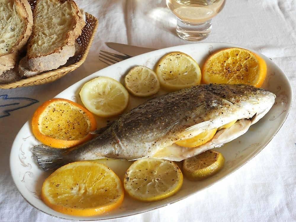 Orata al forno for Cucinare wurstel al forno