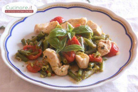 Spezzatino di pollo con pomodorini e fagiolini - Cucinare i fagiolini ...