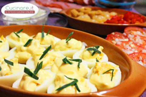 Uova sode con erba cipollina for Cucinare uova sode