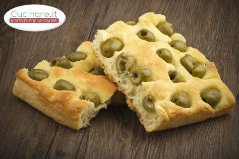 Focaccia alle olive - Cucinare olive appena raccolte ...