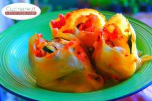 Rollè di Lasagna con Uova, Salsiccia e Zucchine grigliate