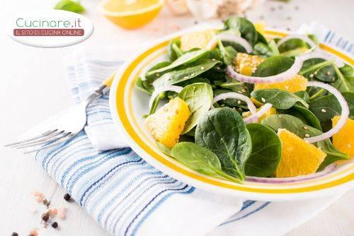 Insalata di spinaci e arance for Cucinare spinaci