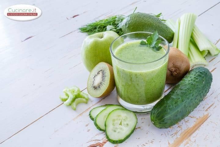 Frullato al cetriolo avocado ravanelli e limone for Cucinare cetrioli