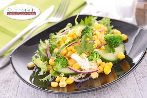 Insalata con mais cetrioli broccoli e cipolla for Cucinare cetrioli