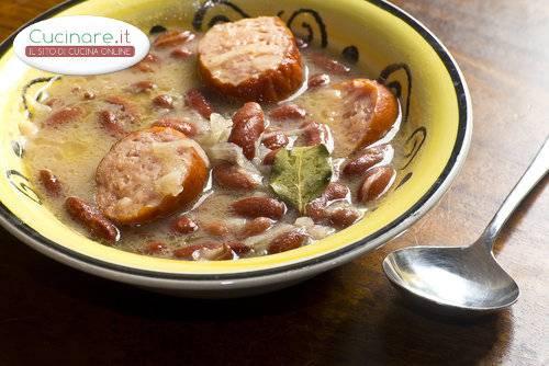 Zuppa con fagioli e wurstel for Cucinare wurstel