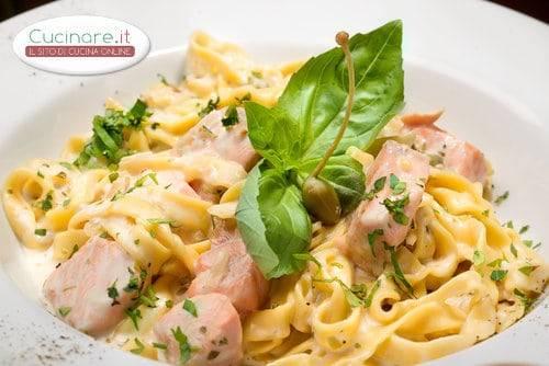 Pasta con salmone e patata for Cucinare noodles