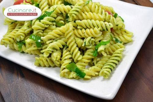 Pasta con pesto di spinaci for Cucinare spinaci