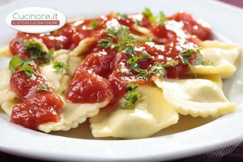 Ravioli di branzino scampi e bottarga for Cucinare scampi