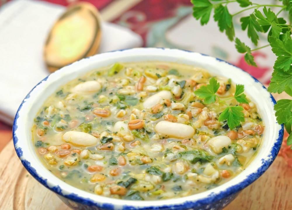 Cucina zuppa del contadino