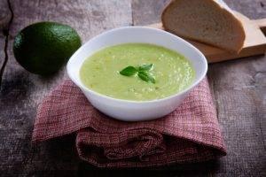 Zuppa di avocado for Cucinare 5 minuti