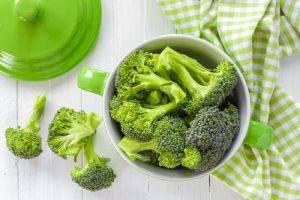 Cibi che aiutano l'attenzione i broccoli