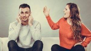 Non farsi lasciare a cena non usare tono di voce fastidioso