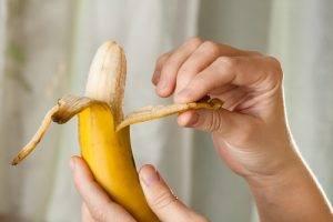 sbucciare_banana2