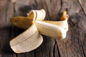 sbucciare_banana3