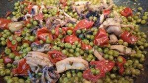 seppie-con-piselli-e-pomodoro-fresco