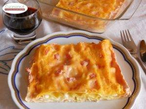 sfogliata_di_lasagna_in_salsa_rosa