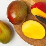 pulire e tagliare il mango