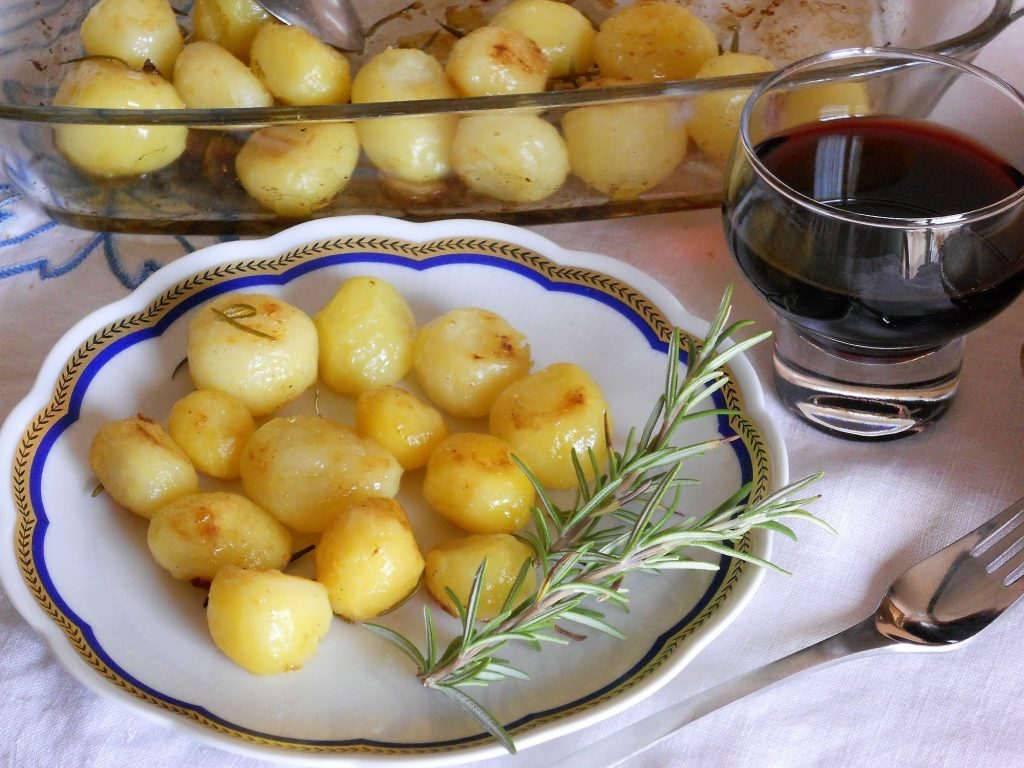 Patate dolci al forno contorno facile e sfizioso - Cucinare lo sgombro al forno ...