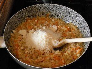 risotto alle carote preparazione 11