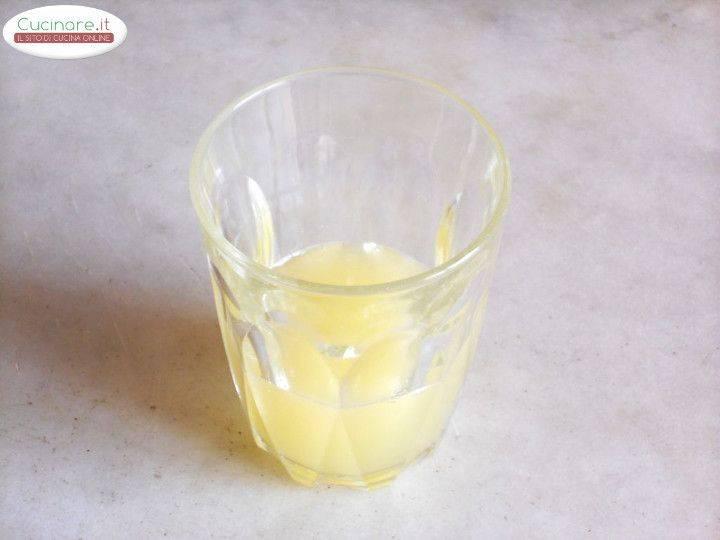 Filetti di aringa saltati in padella con salsa di limone e for Cucinare zenzero