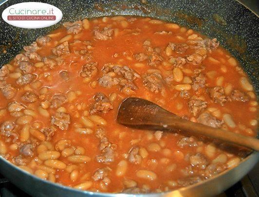 Gnocchi salsicce e fagioli - Cucinare lenticchie in scatola ...