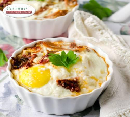 Cocotte di uova e formaggio for Cucinare a 70 gradi
