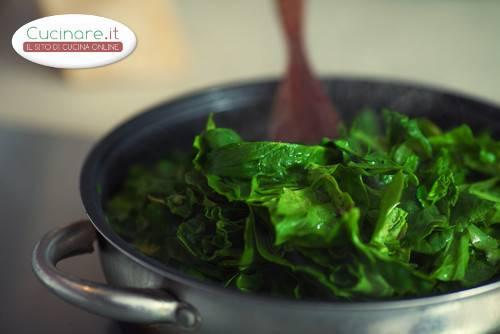 Gli spinaci for Cuocere v cucinare