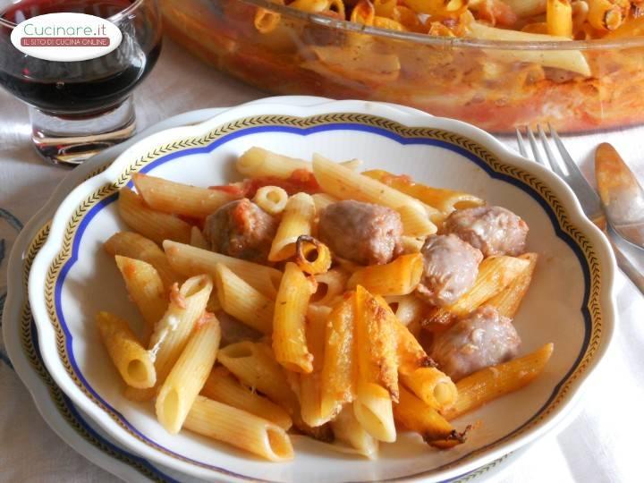 Pasta al forno con bocconcini di salsiccia for Cucinare wurstel al forno