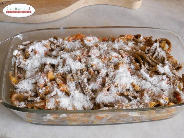 Pizzoccheri al forno con sugo vegetariano for Cucinare vegetariano