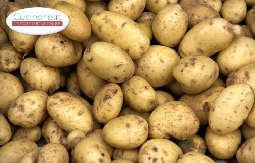 Pulire e tagliare le patate - Modi per cucinare patate ...